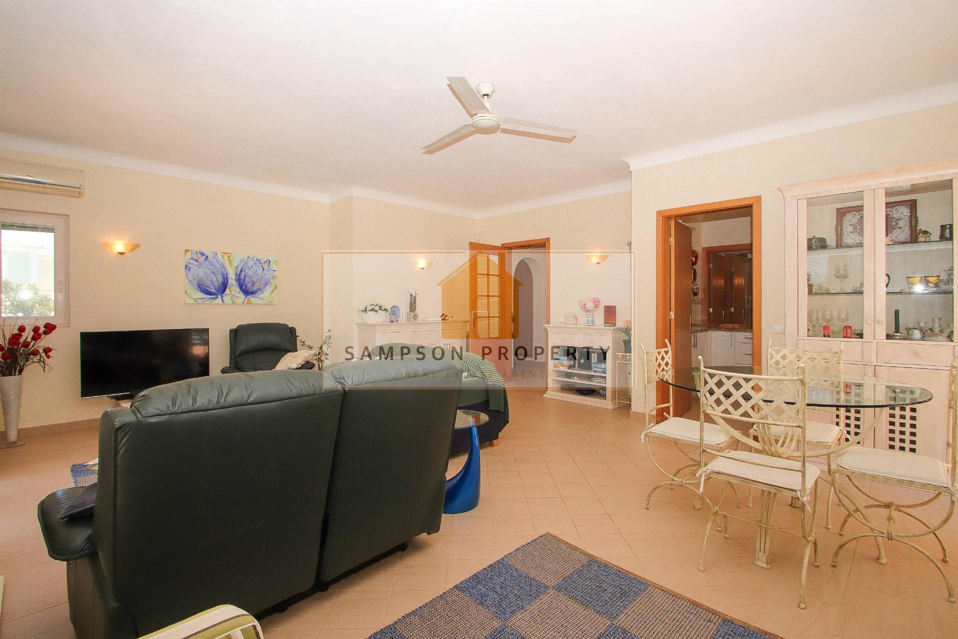 Detached house T2+1 Sell em Estômbar e Parchal,Lagoa (Algarve)